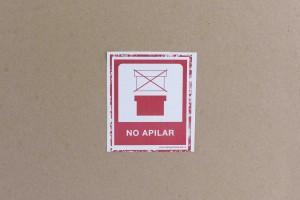 ROTULO ADHESIVO NO APILAR 7.5X8.5 cm